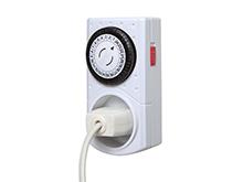 Zeitschaltuhren regulieren das Ein- und Ausschalten von elektrischen Geräten. - © istock.com/makkayak