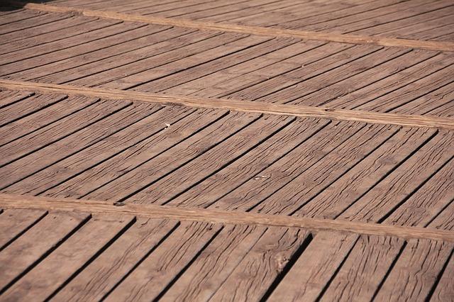 Bild Holzterrasse pflegen
